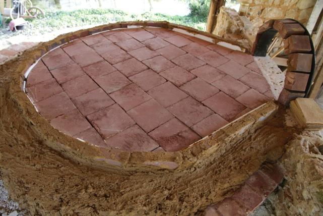 Fournil et four pain traditionnel les tapes de la for Four a pain exterieur prix